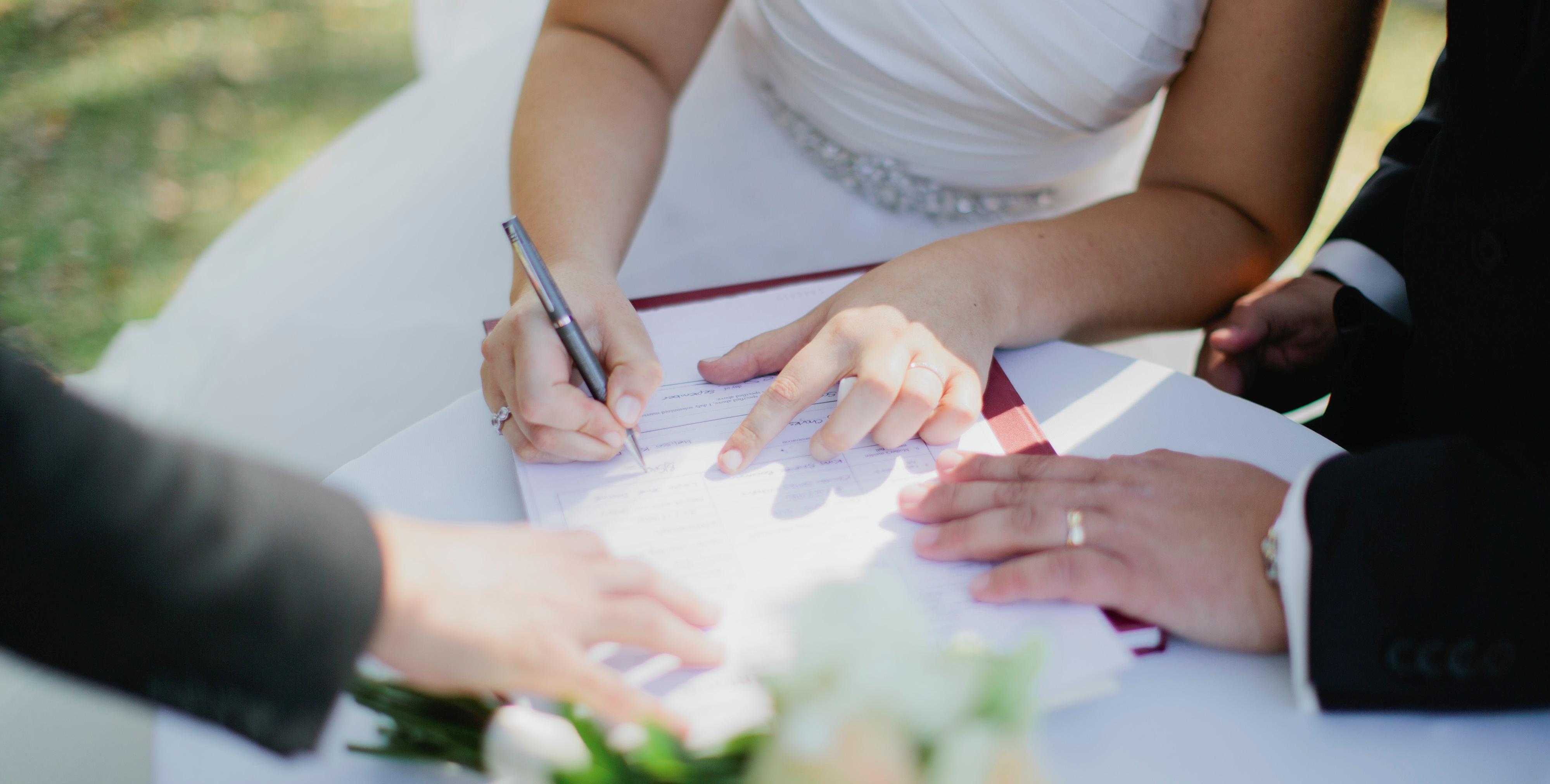 Стоимость составления брачного договора у нотариуса